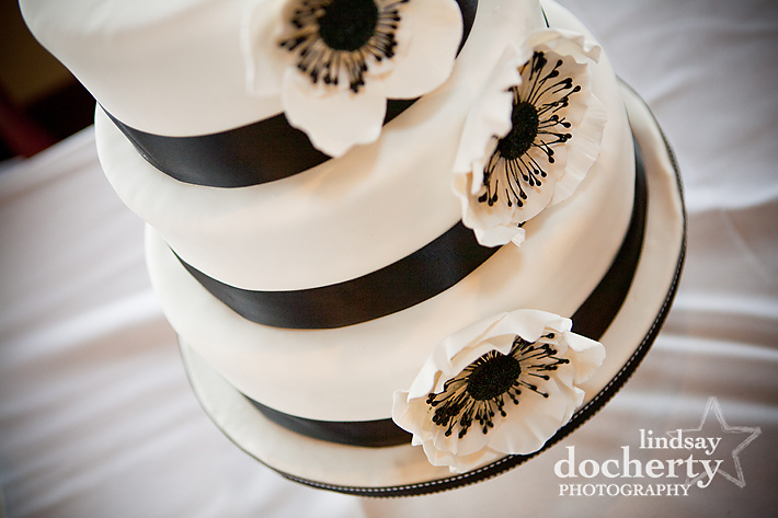 black white wedding cake flower