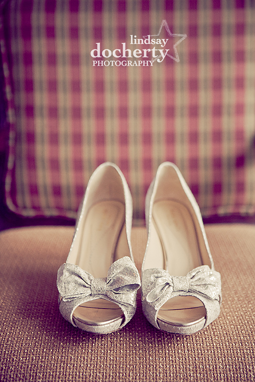 bride silver Kate Spade heels for wedding