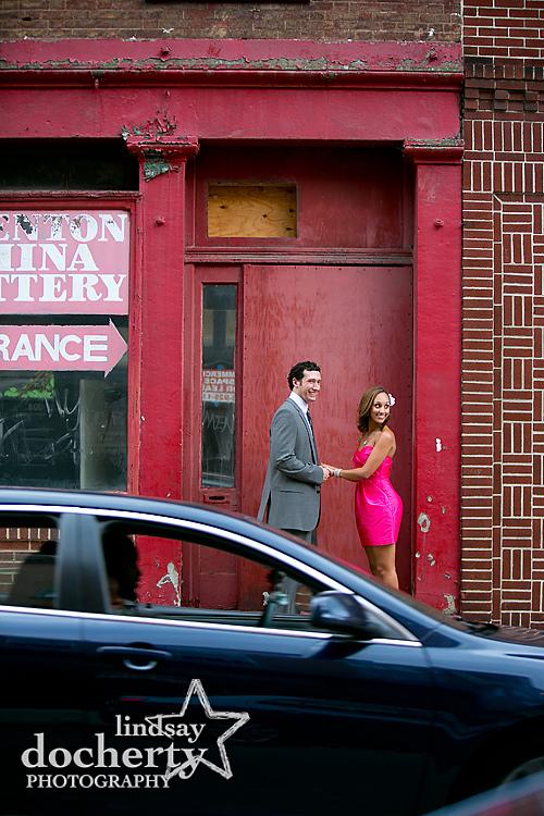 Philadelphia engagement photographer in Old City