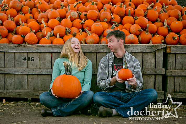 Linvilla Orchards engagement photography
