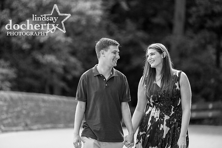 Philadelphia engagement pictures in Wissahickon Park