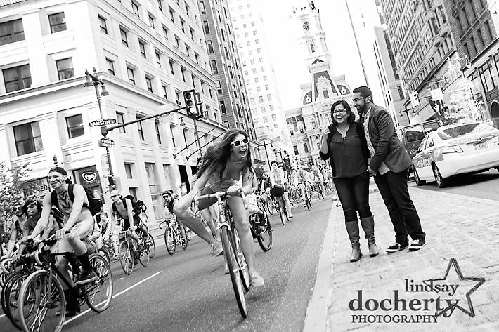 Philadelphia engagement pictures near City Hall