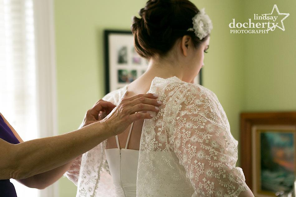 Sleeve overlay for wedding dress