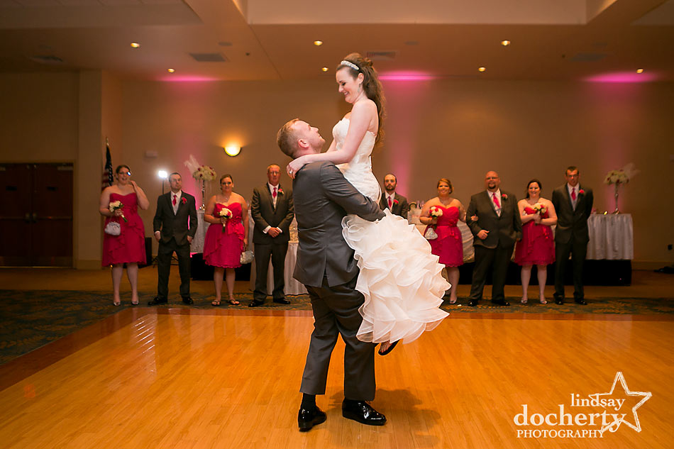 Delaware bride and groom first dance lift