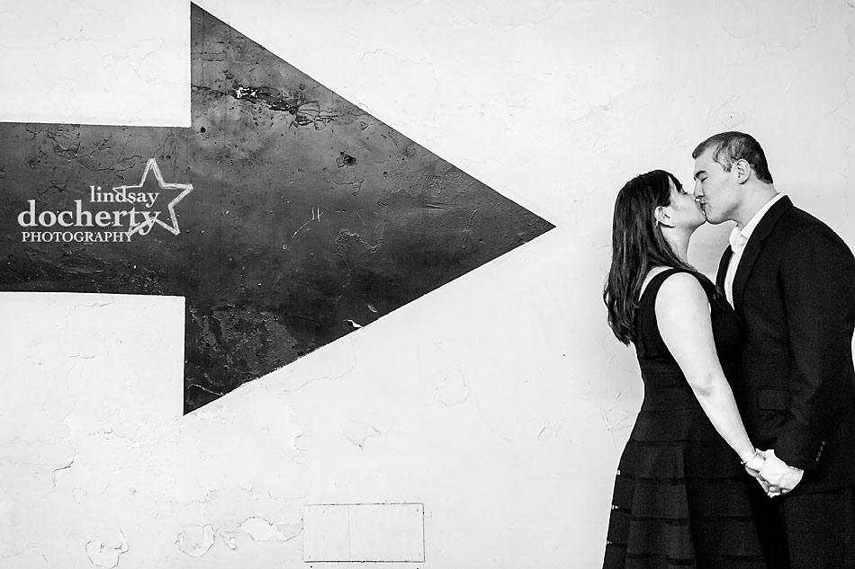Black and white arrow Philadelphia engagement session