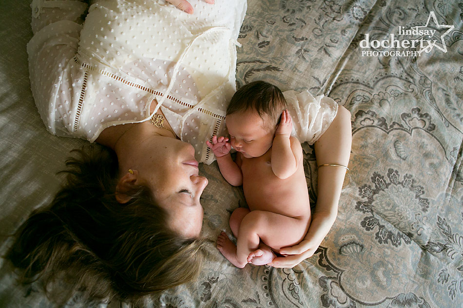 naked newborn and mother photo session in Philadelphia
