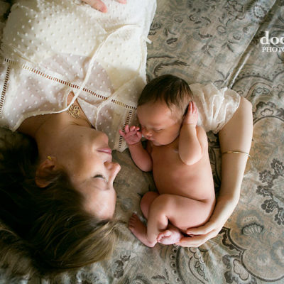 naked-newborn-and-mother-portrait-session