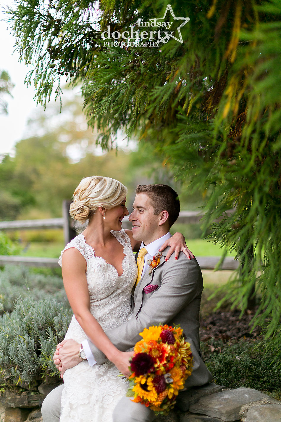 bride-and-groom-pictures-at-fall-wedding-at-Tyler-Arboretum