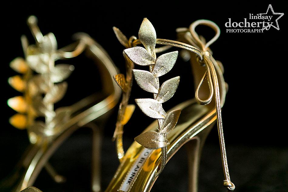 gold-leaf-manolo-blahnik-shoes-for-bride