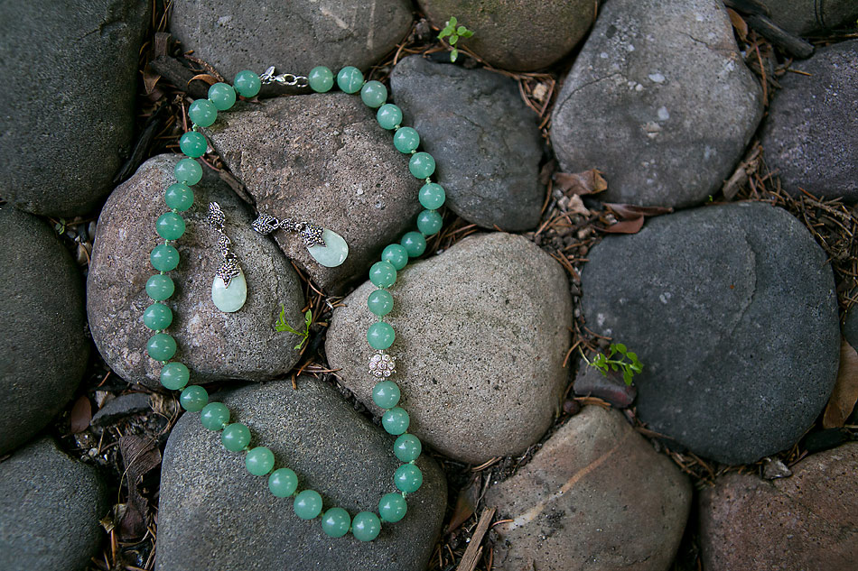 jade-wedding-necklace-and-earrings-for-the-bride