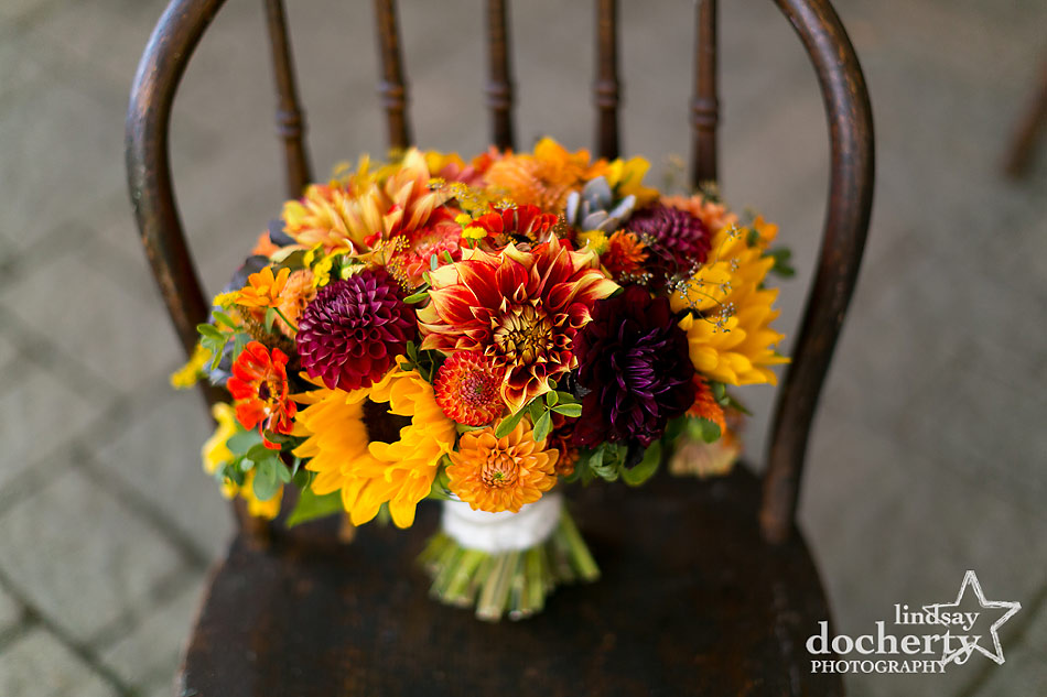 love-and-fresh-flowers-fall-bouquet-for-philadelphia-wedding