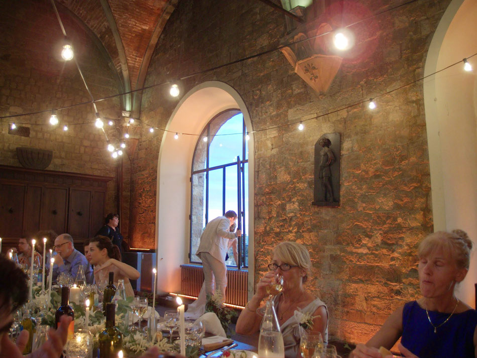 reception-wedding-dinner-at-castello-di-vincigliata