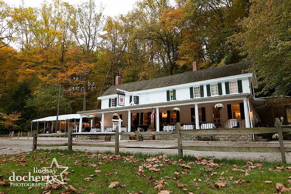fall-Valley-Green-Inn-wedding-in-Philadelphia