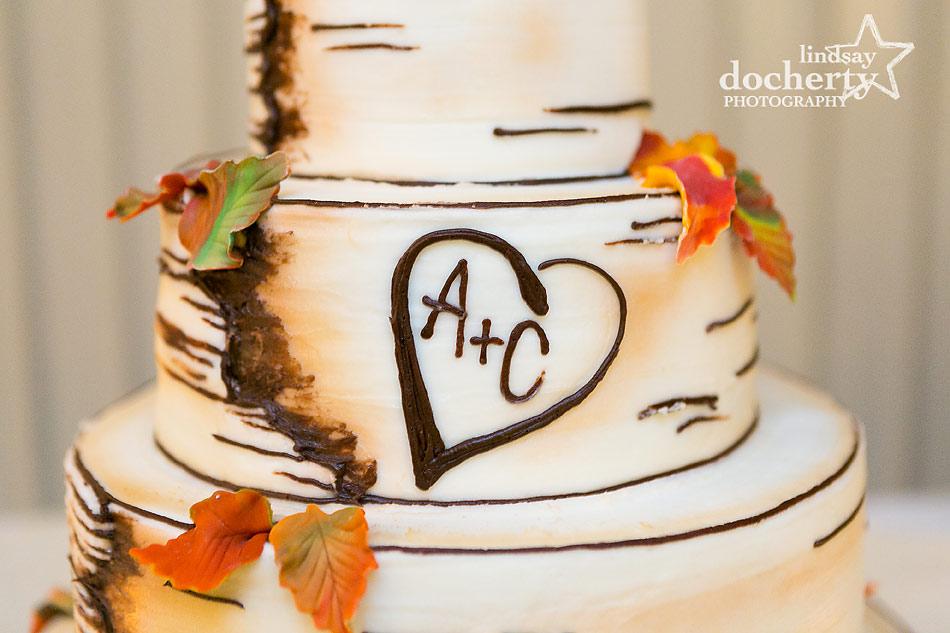 fall-themed-wedding-cake-at-fall-Valley-Green-Inn-wedding-in-Philadelphia