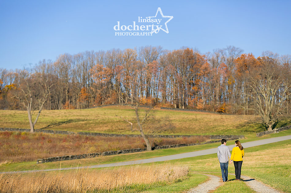walking-pictures-engagement-session-in-Brandywine-Park-in-Delaware