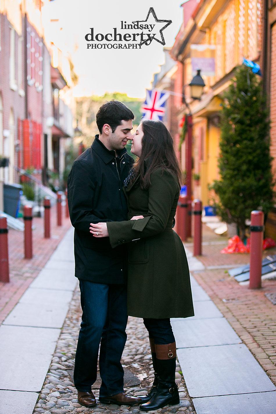 Elfreths-Alley-engagement-session-in-Philadelphia