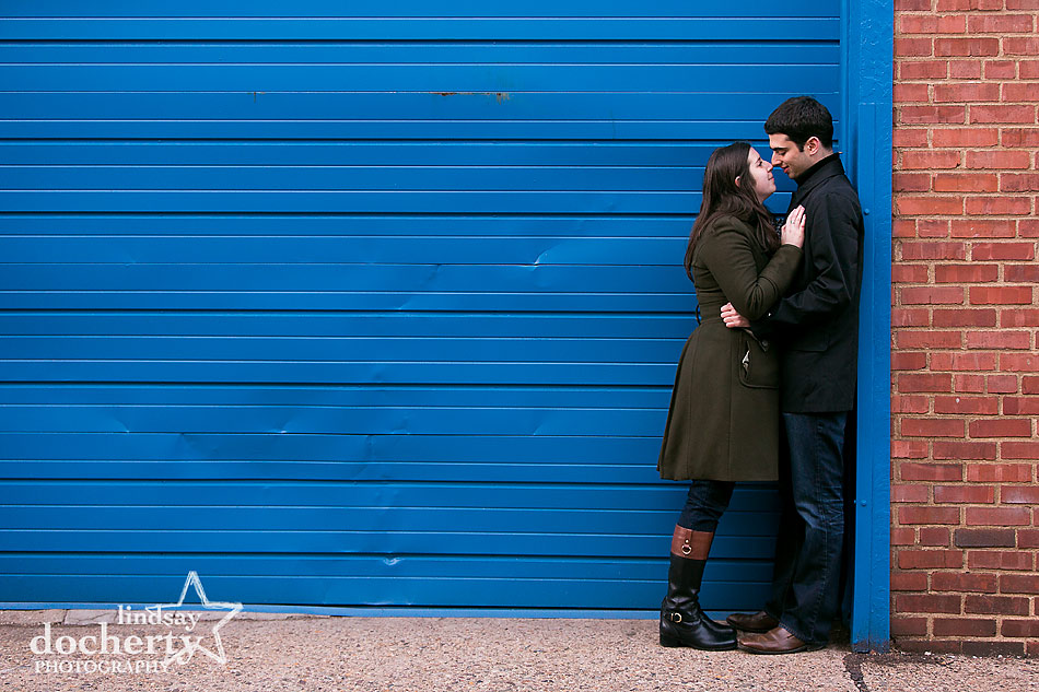 Engagement-session-in-Philadelphia-with-blue-doors