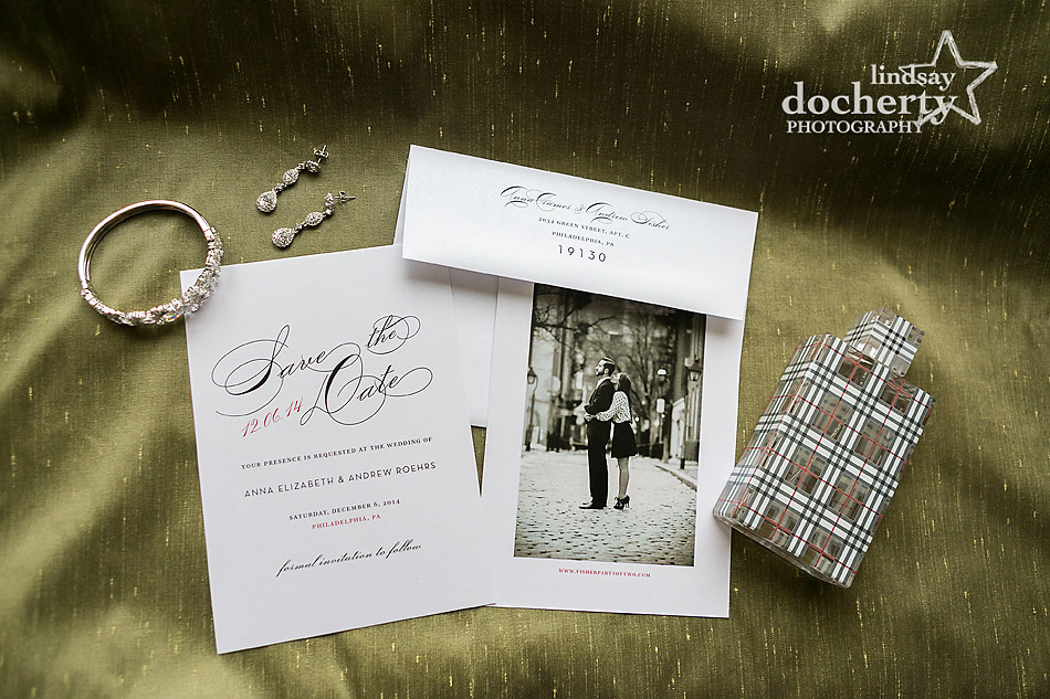 STD-jewelry-and-perfume-for-bride-on-wedding-day
