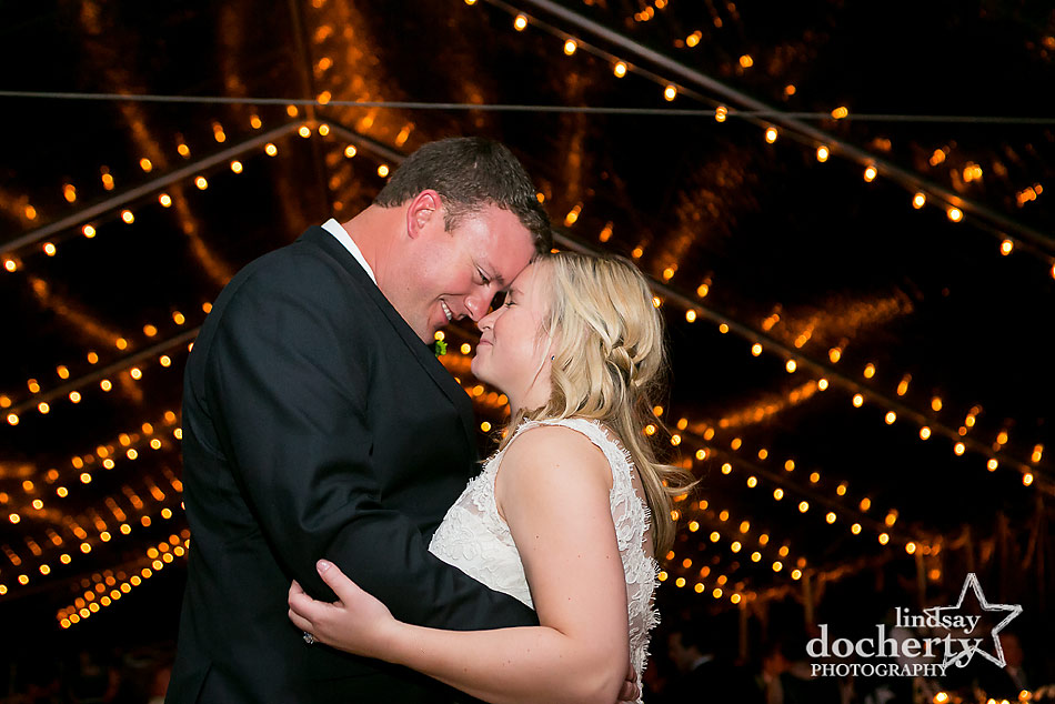 bride-and-groom-dance-at-wedding-at-Sunnybrook-country-club
