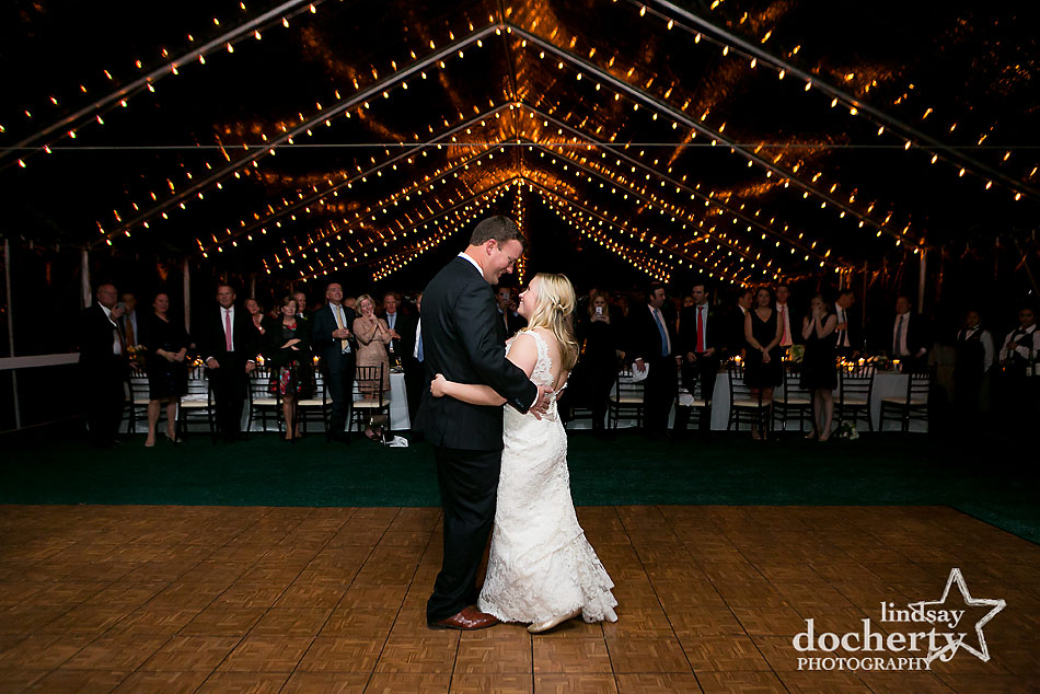 bride-and-groom-first-dance-at-sunnybrook-country-club-wedding