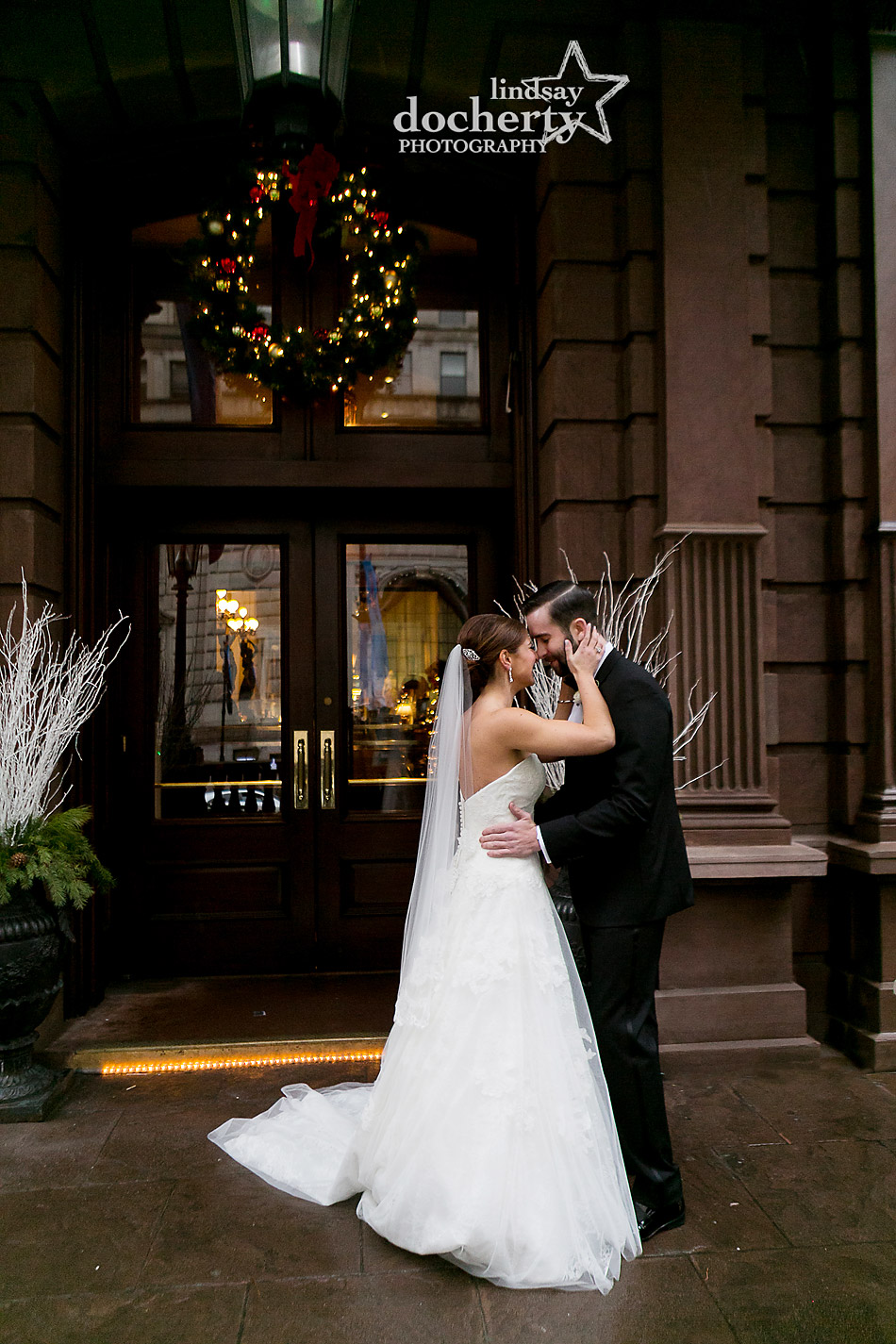 bride-and-groom-first-look-at-Union-League