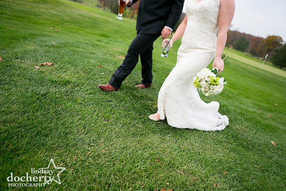 bride-and-groom-on-Sunnybrook-golf-course