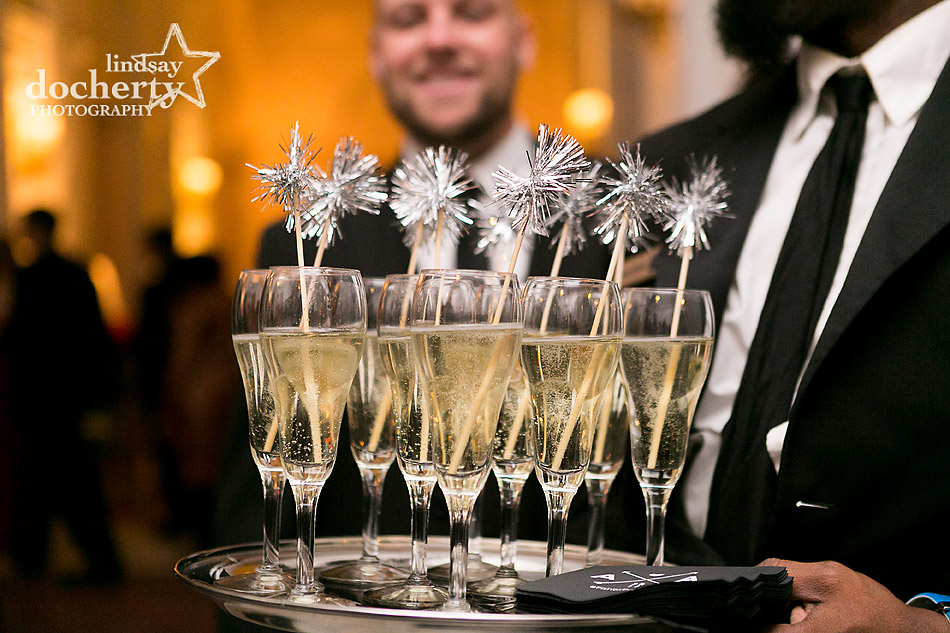 champagne-with-silver-fuzzy-stirrers-at-Union-League-wedding