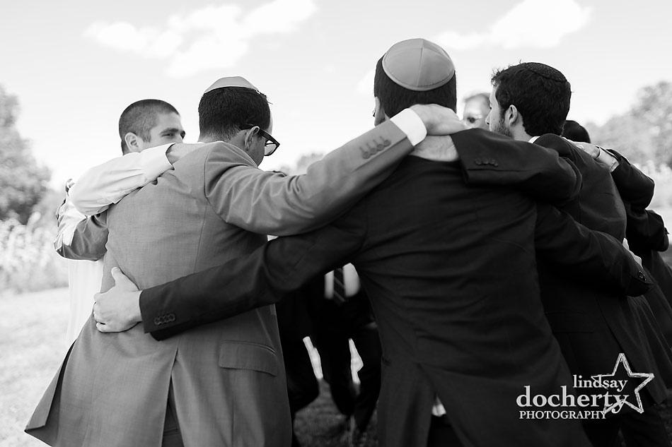 grooms-tisch-before-Jewish-wedding-ceremony