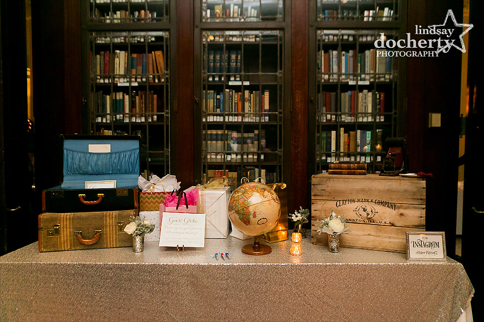 guest-signin-globe-at-Union-League-wedding