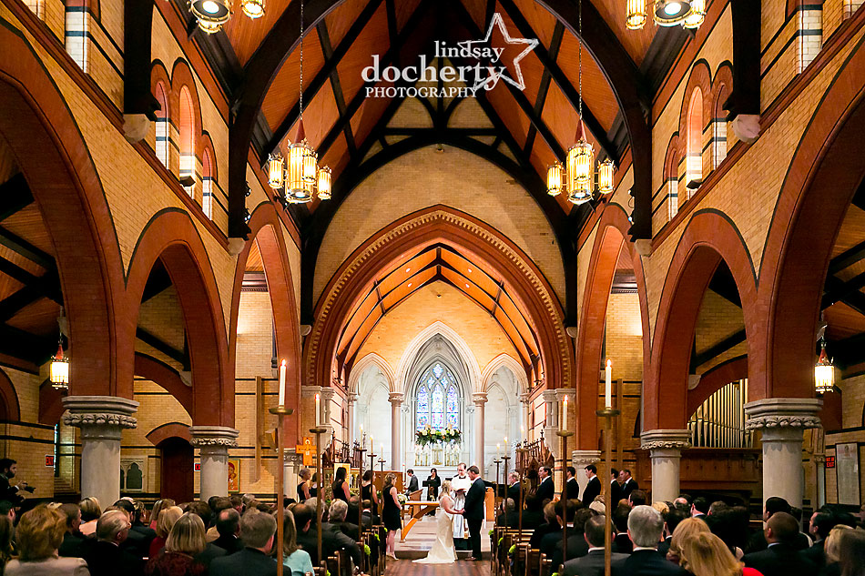 wedding-ceremony-at-St-Martin-of-the-Fields-in-Chestnut-Hill