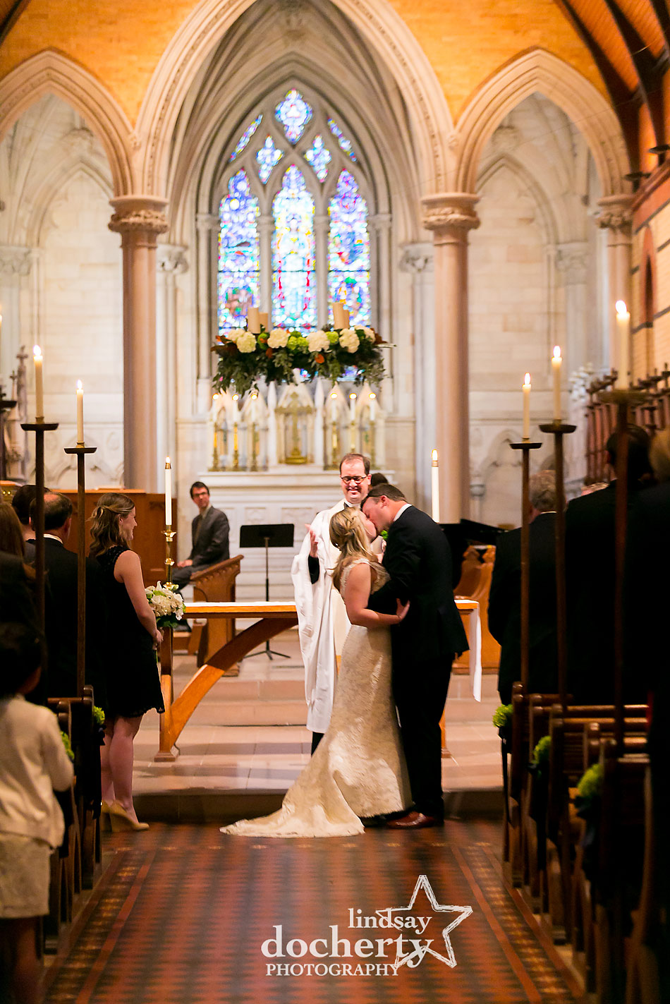 wedding-kiss-at-St-martin-of-the-field-in-Philadelphia