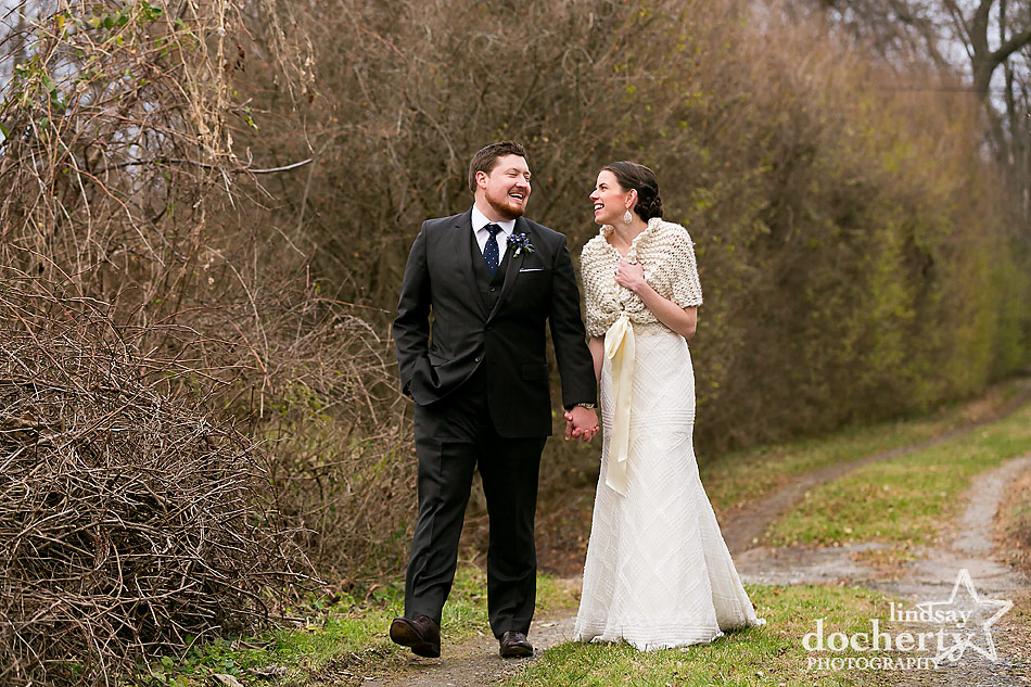 winter-wedding-outside-at-Main-Line-wedding-at-Peoples-Light-and-Theater