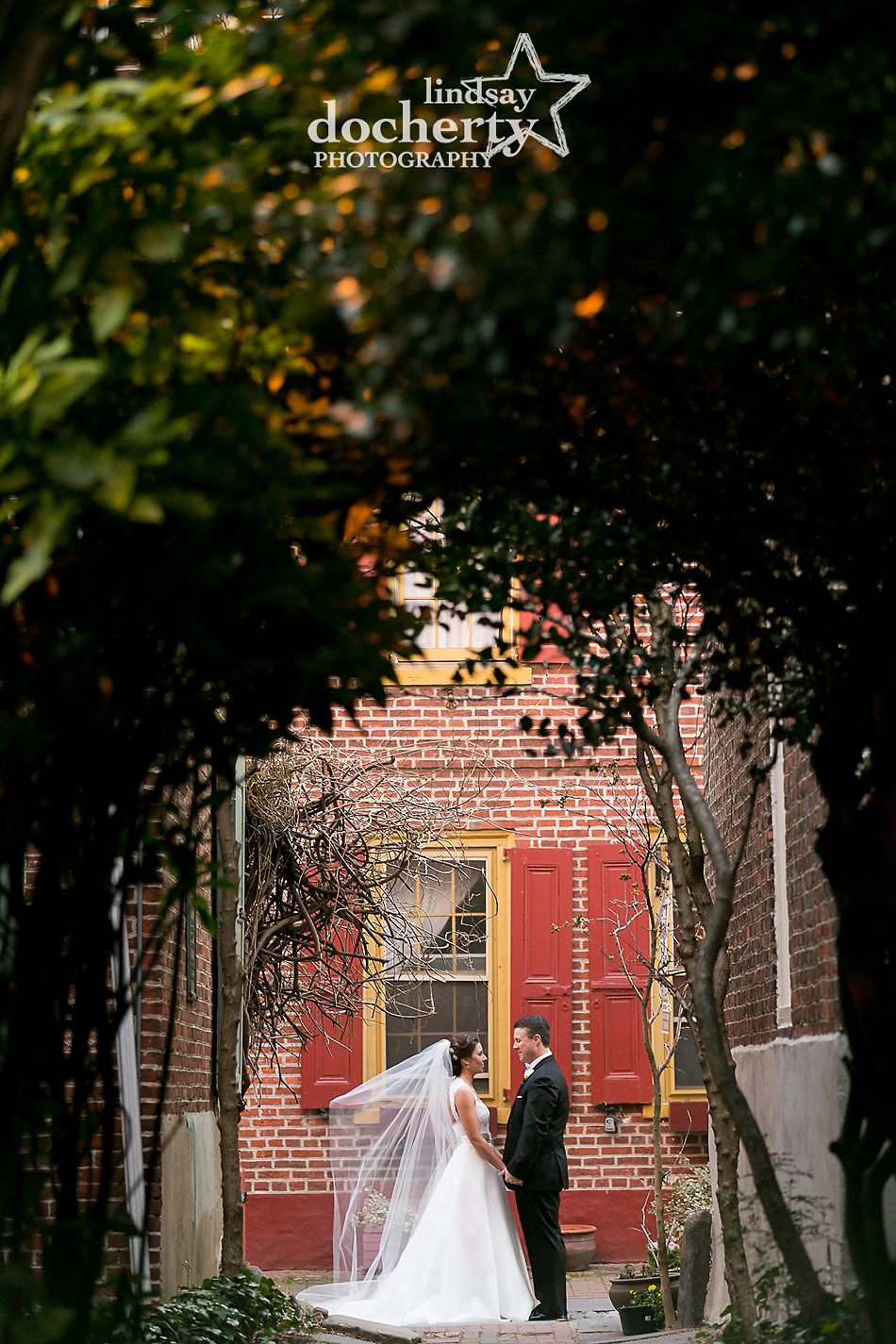 bride-and-groom-at-Elfreths-Alley