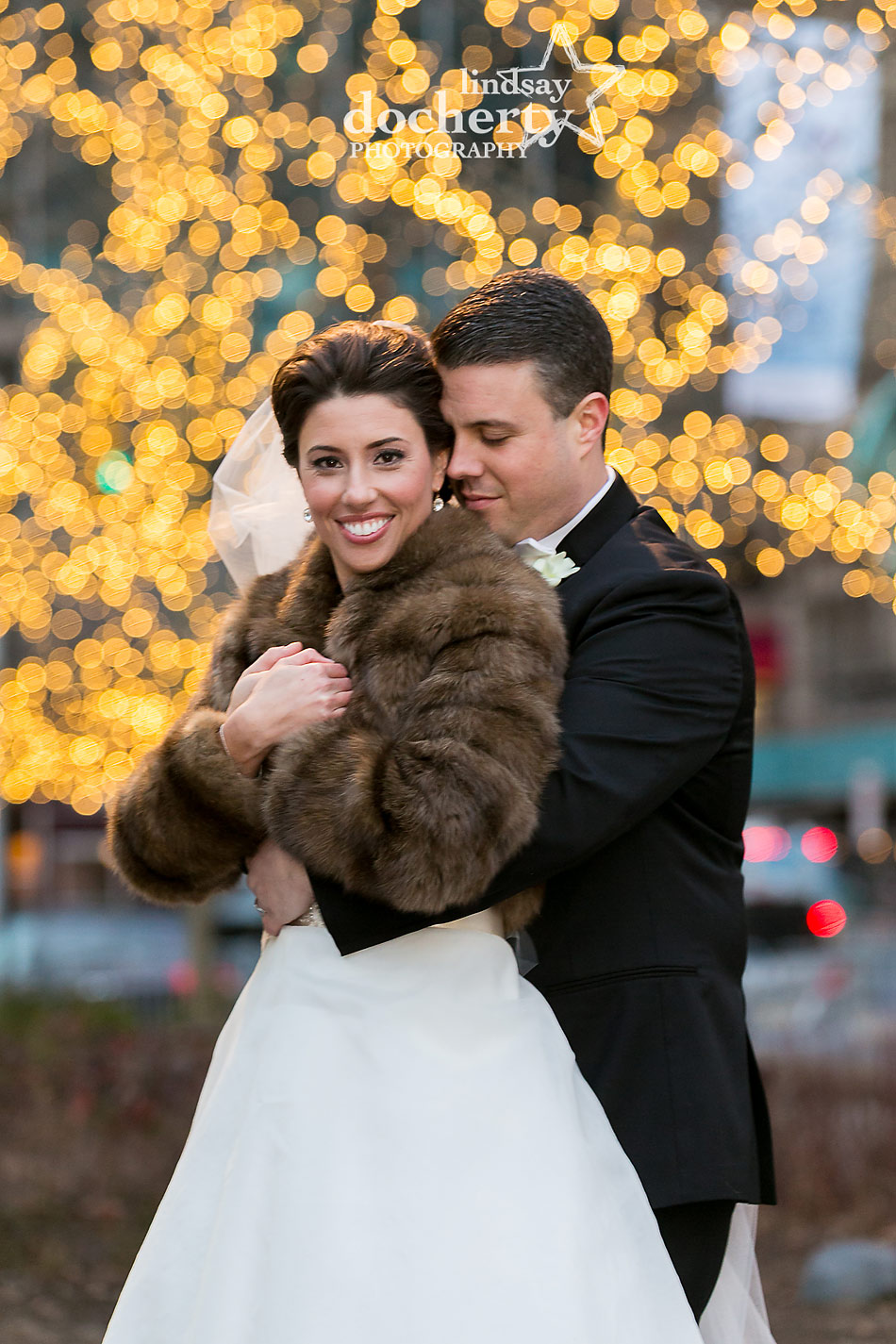 bride-and-groom-pictures-at-Dilworth-Plaza-with-lights