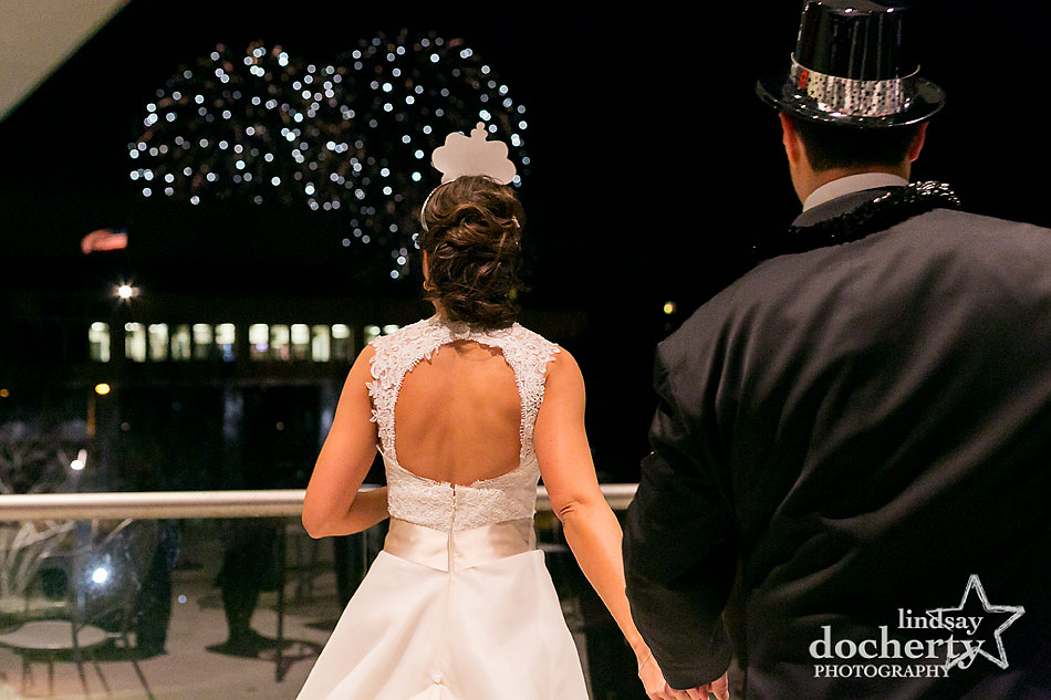 midnight-NYE-fireworks-at-National-Constitution-Center-wedding-in-Philadelphia