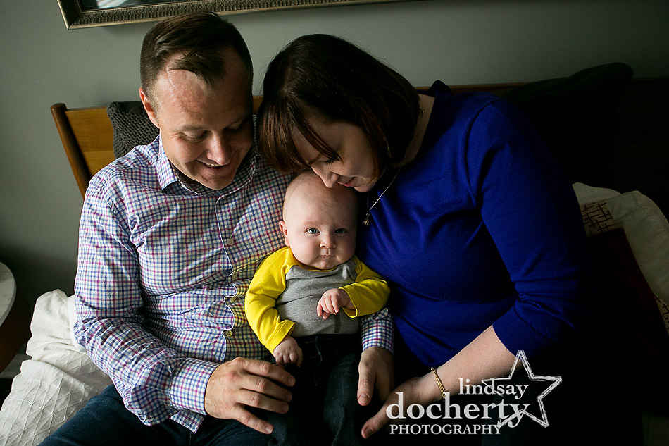 adorable-baby-with-sma-family-session