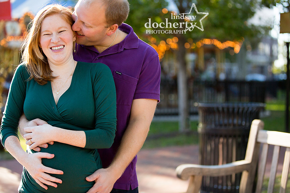 maternity photography session in Franklin Square in Old City Philadelphia