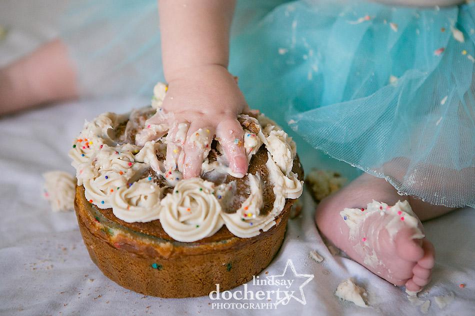 baby girl cake smash photoshoot with tutu
