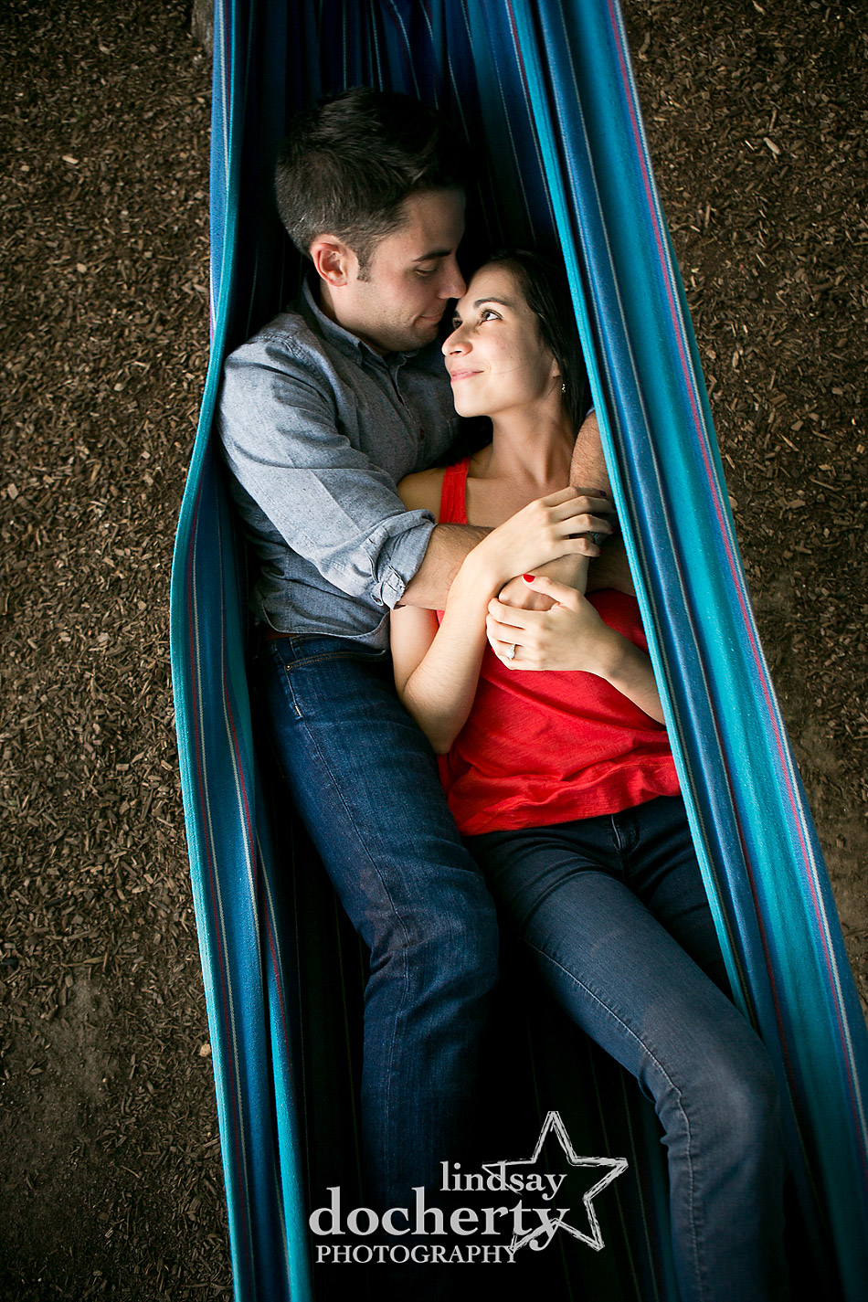 couple-in-a-hammock-at-spruce-street-harbor-park-in-philadelphia