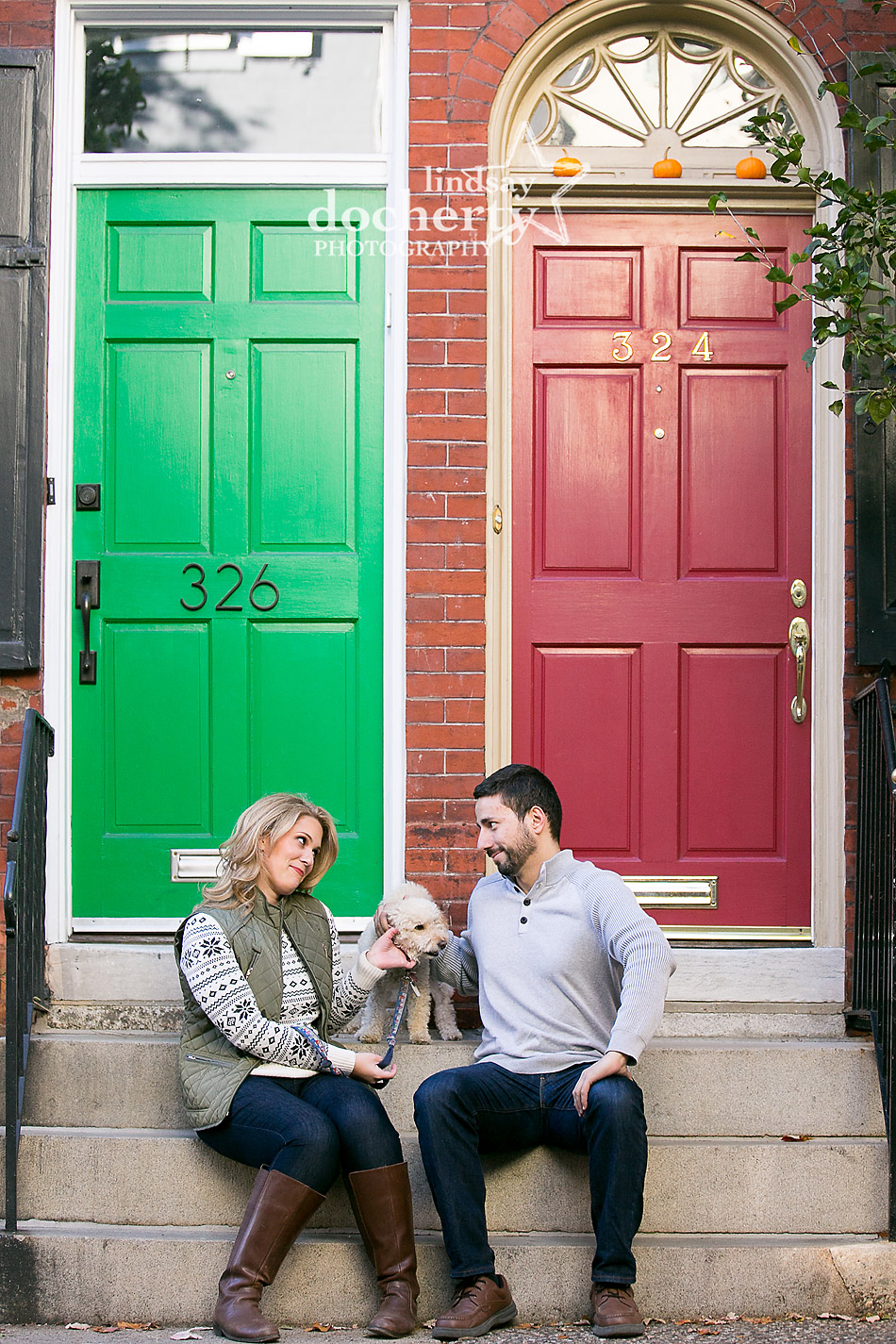 quirky-engagement-session-in-front-of-fgreen-red-doors-on-delancey-street-philadelphia