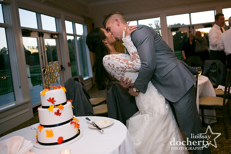fall wedding cake at Llanerch Country Club