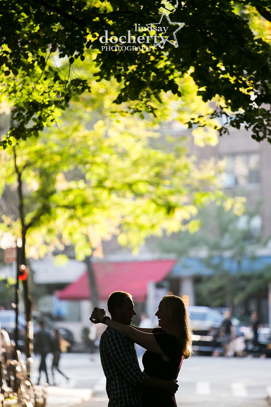 silhouette on NYC street for engagement picture